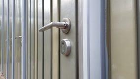 Türen mit Verschlüssen stockfotografie