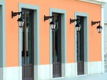 Türen und Lampen Lizenzfreie Stockfotos