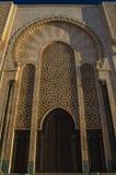 Türen von Moschee Hassan II in Casablanca, Marokko stockfotos
