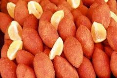 Türkische Nahrung - angefüllte Fleischklöschen Lizenzfreie Stockbilder