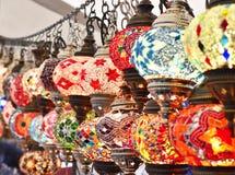 Türkische oder orientalische Lampen auf einem Basar Lizenzfreies Stockfoto