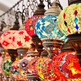 Türkische oder orientalische Lampen auf einem Basar Lizenzfreie Stockfotografie