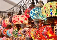 Türkische oder orientalische Lampen auf einem Basar Lizenzfreies Stockbild