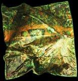 Türkische orientalische schöne Schals mit Bildern der natürlichen Seide auf einem schwarzen Hintergrund Stockfoto