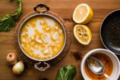 Türkische traditionelle Kaldaunen-Suppe/iskembe corbasi Stockfotos