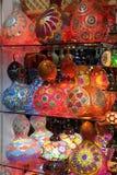 Türkische traditionelle mehrfarbige Lampen Stockfotografie