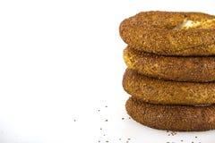 Türkischer Bagel, simit auf Frühstücksplatte Lizenzfreie Stockfotografie