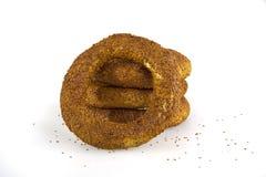 Türkischer Bagel, simit auf Frühstücksplatte Stockbild