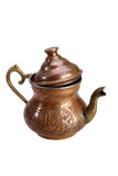 Türkischer kupferner Kessel für Tee auf einem weißen Hintergrund Stockbild