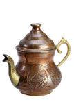 Türkischer kupferner Kessel für Tee auf einem weißen Hintergrund Stockfotografie