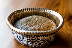 Türkischer Nachtisch Revani mit Mohn und Sorbett Lizenzfreies Stockfoto