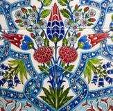 Türkisches Muster auf einer keramischen Wand in Istanbul, die Türkei stockbilder