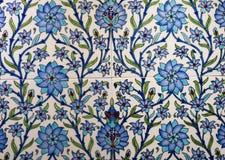 Türkisches Muster auf einer keramischen Wand in Istanbul, die Türkei stockfoto