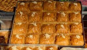 Türkisches traditionelles nationales geschmackvolles Nachtische Baklava lizenzfreie stockfotografie