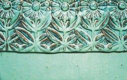 Türkiskeramische Blumenentlastung lizenzfreie stockbilder