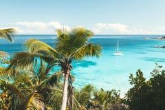 Türkismeer in Seychellen Lizenzfreies Stockfoto