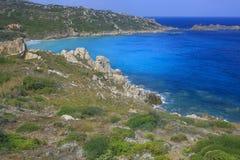 Türkisstrand in Sardinien-Insel, Italien lizenzfreies stockfoto