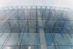 Türkiswand des Glasgebäudes Lizenzfreie Stockfotografie