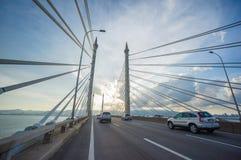 Türme der Brücke George Town auf Penang Insel und Seb anschließend Stockbilder