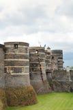 Türme und Burggraben verärgert herein Schloss, Frankreich Lizenzfreies Stockbild