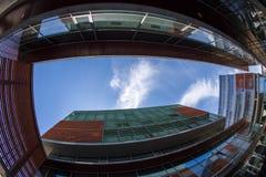 Türspionsansicht mit Geschäftsgebäuden Timisoara, Rumänien 3 Lizenzfreie Stockfotografie