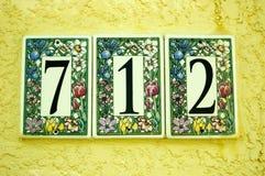 Türzahl deckt 712 mit Ziegeln Stockbild