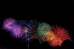 Tęcza fajerwerk przy miasto festiwalem zdjęcia stock