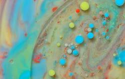 Tęcza kolory tworzący olejem zdjęcie stock