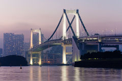 Tęcza most widok od Odaiba wyspy, Tokio, Japonia Obraz Royalty Free