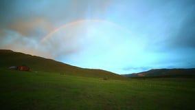 Tęcza przy Majestatycznym mongoła krajobrazem zbiory