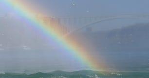 Tęcza przy Niagara Spada z tęcza mostem Obraz Royalty Free