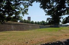 Tęsk ściany broni dziejowe ćwiartki Lucca, Włochy zdjęcie royalty free