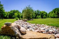 Tęsk rockowa zatoczka w parku zdjęcie royalty free