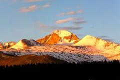 Tęsk szczyt przy wschodem słońca Zdjęcie Royalty Free