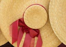 tła ścinku kapeluszu odosobnionej ścieżki słomiany biel Zdjęcie Royalty Free
