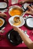tła śmieszny gwinei lunch nad świniowatym portreta czas biel Zdjęcia Stock