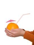 tła świeżego ręki soku pomarańczowy biel zdjęcie stock