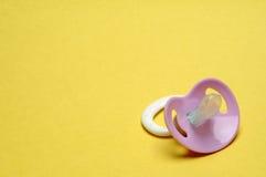 tła atrapy pacyfikatoru kolor żółty Zdjęcie Royalty Free