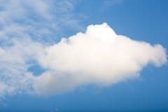 tła błękit chmurnieje niebo malutkiego obraz royalty free