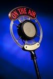 tła błękitny mikrofonu fotografii radio Obraz Stock
