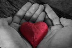 tła błękitny pudełka pojęcia konceptualny dzień prezenta serce odizolowywająca biżuterii listu życia dutki czerwień kształtował s Obrazy Royalty Free
