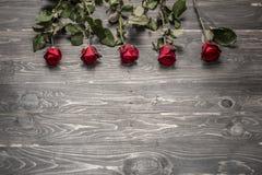 tła błękitny pudełka pojęcia konceptualny dzień prezenta serce odizolowywająca biżuterii listu życia dutki czerwień kształtował s Obrazy Stock