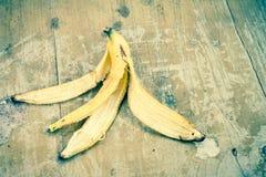 tła banana owoc odizolowywający łupy biel kolor żółty Zdjęcia Royalty Free