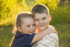 tła brata odosobniony siostrzany biel Fotografia Royalty Free
