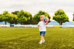 tła chłopiec śliczny odosobniony trochę nad portreta biel Zdjęcie Royalty Free