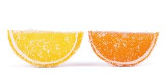 tła cukierków cytrusa formy owoc odizolowywać galarety galaretowacieją lobules biały Galaretowy cukierku cytrus w formularzowych  Obraz Royalty Free