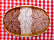 tła czekolady zakończenia śmietanki lód odizolowywał w górę biel Fotografia Royalty Free