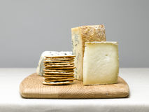 tła deskowego sera odosobniony biel Zdjęcia Stock