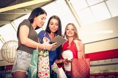 tła karciana powitania strony zakupy szablonu czas cechy ogólnej sieć młode dziewczyny zdjęcie stock