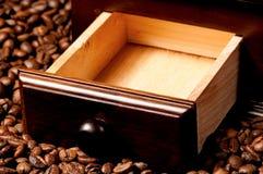 tła kawowego ostrzarza odosobniony biel Zdjęcie Royalty Free